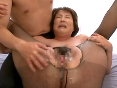 Mature Babe Giving A Steamy Blowjob Then Gets Drilled