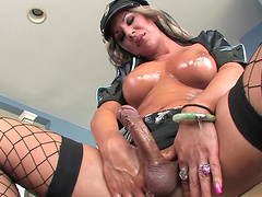 Solo shemale Ariel Everitts jerking her hard cock until she cums
