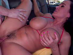 Big butt MILF Lisa Ann takes money to be fucked by a stranger