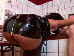 Dirty ebony slut drops on her hands and knees to be fucked