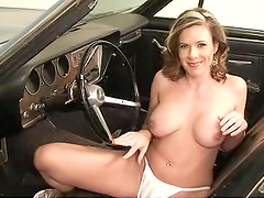 Horny Mature Naked and Playing with Her Pussy in an Old Convertible