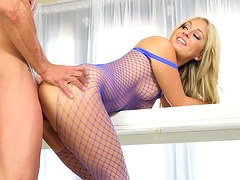 Horny blonde Madelyn Monroe gets her hands on a delicious cock