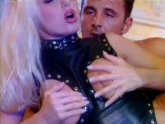 Cheerful pornstar in a sexy leather corset getting drilled in a wild ffm threesome