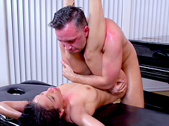Back massage makes Vicki Chase horny for a large dick right there