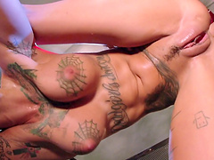 Tattooed pornstar Bonnie Rotten fucked by her horny partner