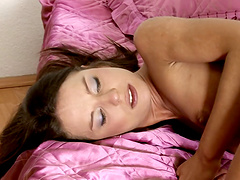 Passionate lesbian sex in the morning between Lindsey and Rosalie