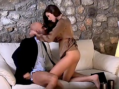 Honry Babe Rides Her Chauffer's Big Cock
