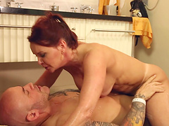 Lingerie clad pornstar shares a bath with a beefy stud before getting plowed