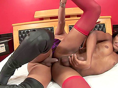 Hard sex between chocolate trannies is amazing and memorable