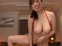 After blowing Ruri Saijo wants to get creamed pussy by a stranger