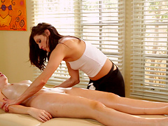 Lesbian masseuse goes out of her way to show her client a great time