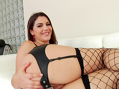 Curvy slut in red high heels gets ass fucked and cum in her mouth