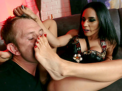 Tia gives a steamy hand job before riding that dick hardcore to an orgasm