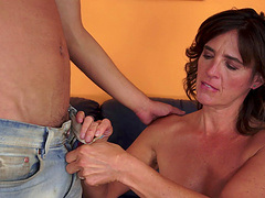 Smutty mature doll sucks that giant cock in a close up shoot