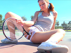 Salacious tennis player uses her ratchet to pleasure her super itchy pussy at the court