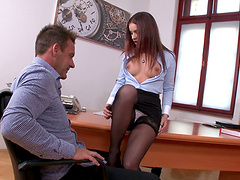 Not even two rock-solid dicks are enough for Evelina Darling