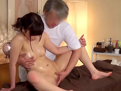 Sensual massage ends up with the Japanese girls sucking the cock