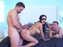 Blindfolded babe is happy to find herself surrounded by cocks