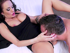 Experienced lady getting screwed in all poses just how she likes it