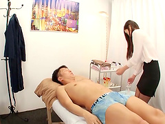 Sexy Yuna gladly gives her customer more than just a simple massage