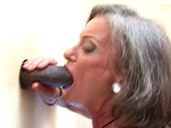 Blowing trough the wall and sex is all that horny mature wants to do