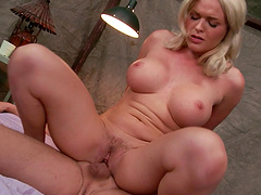 Horny Krissy Lynn wants to reach an orgasm with a dude after the oral sex