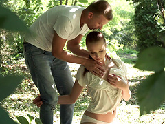 Cute Chelsea Sun enjoys a romantic outdoor sex session