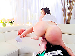 Abella Danger's bubble butt is all a guy wants to see in front of him