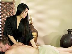 Asian honey Nari Park shows off her amazing fucking skills