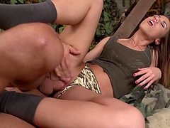 Cute Denise seduced by a hunk for a nasty penetration game