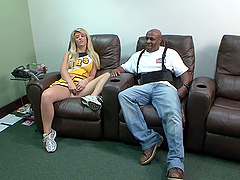 Cheerleader Kristie Creame seduces a black guy for a fuck