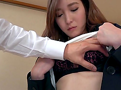 Japanese woman attacked by a hunk for an amazing fuck