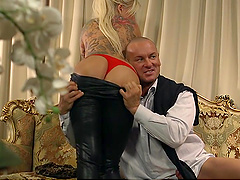 Simony Diamond and Jarushka Ross seduced by a fellow for a shag
