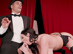 Angela White seduces a magician for a great shagging fun