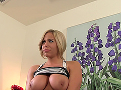 Olivia Austin is a chick with nice curves craving to be fucked