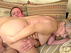 Mature chick Viola Jones fucked hard by a horny fellow