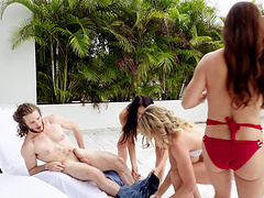 Diamond Foxx and two more hotties are on their knees for a wiener