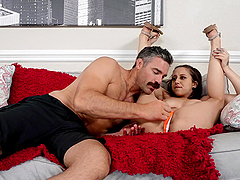 Marilyn Mansion gives her man a blowjob on the front seat