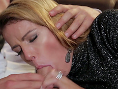 blonde MILF babe Samantha Johnson takes two loads in her mouth