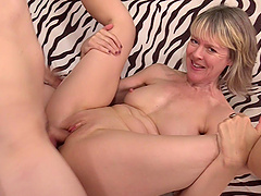Mature blonde granny Jamie Foster sucks and fucks a younger cock