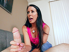 Brunette MILF Reagan Foxx gets splashed with cum on her face