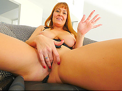 Ramming big sex toys in her pussy makes Elexis reach an orgasm