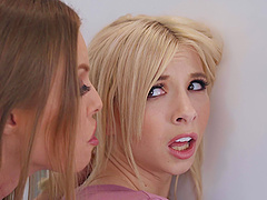 Before rough fuck Britney Amber invite her friend to join a threesome