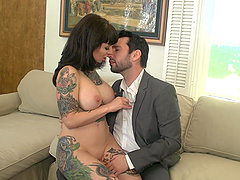 Tattooed bomb Dolly Darko gets her cunt pounded before an strong facial