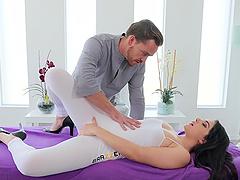 Instead of massage horny Valentina Nappi gets a hard masseur's penis