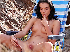 Sexy brunette girlfriend Sapphira loves playing with her pussy