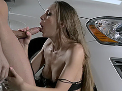 Quickie fucking in the car with small tits girlfriend Veronica Clark