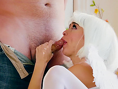 Cum on tits ending after wild fucking with seductive Riley Reid