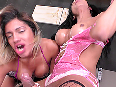 Dirty threesome with shemales Yasmim Dornelles and Isis B