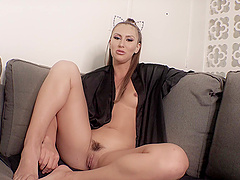 Dirty chick Paige Owens loves stretching her ass with a buttplug